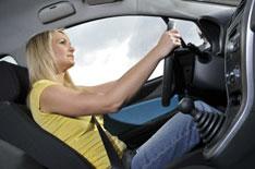 Автомобили защищают женщин гораздо хуже мужчин